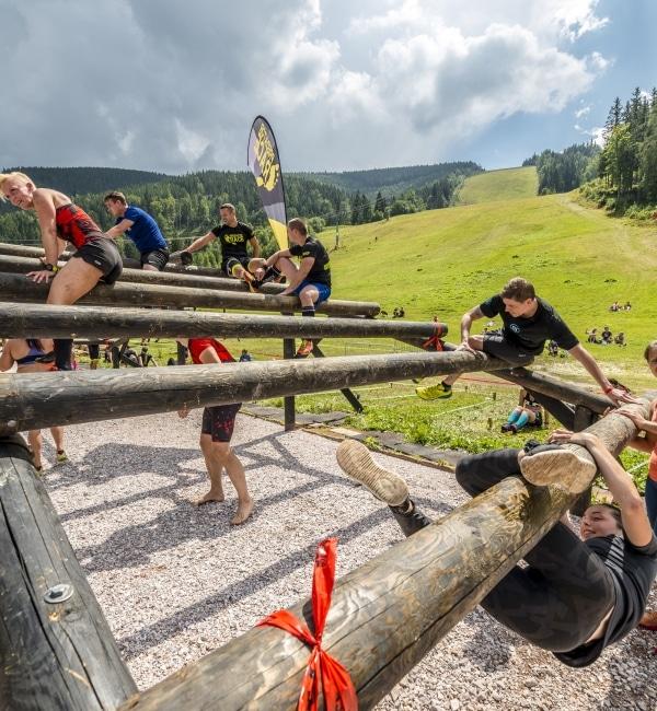 Gruppe nimmt an Predator Race teil