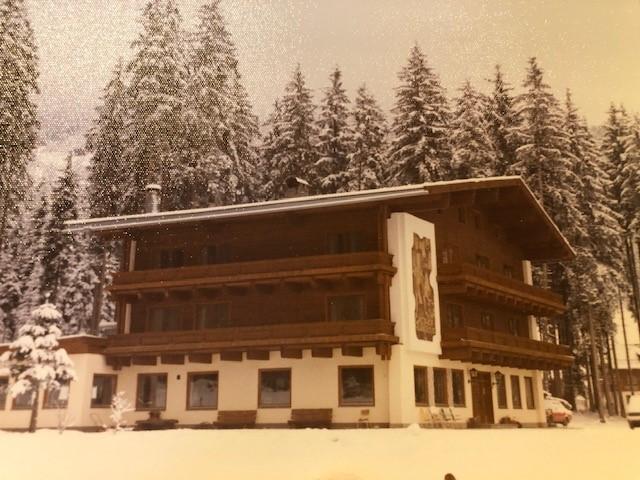 Altes Foto davon wie Hotel Hubertus früher ausgesehen hat